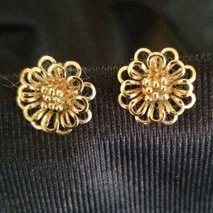 Delicate flower earrings